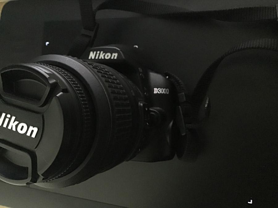 カメラ D3000